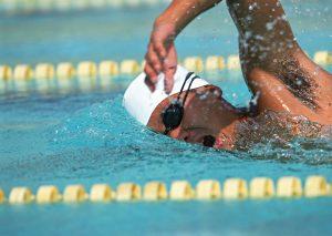 水泳首肩腰の痛み